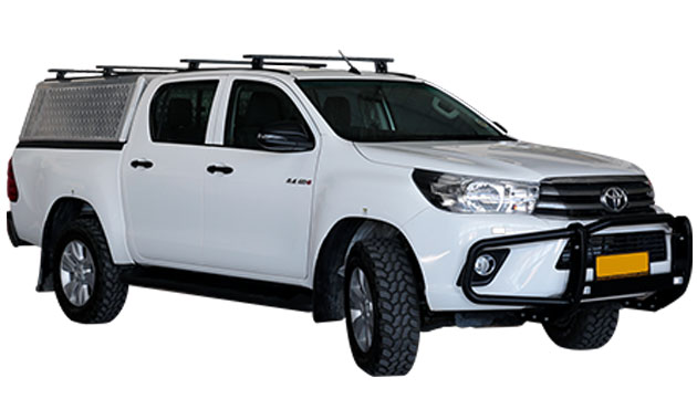 4x4-Car-rental-Namibia-Toyota-Hilux-2.4TD-4x4-Double-Cab-Automaat-4pax_01